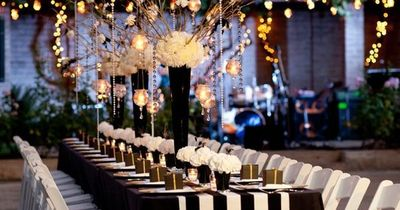 Black and White Striped Reception Decor // http://www.thekno ...