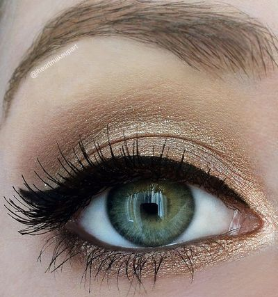 Classy cat eye for those of us who can't pull off the funky dramatic version