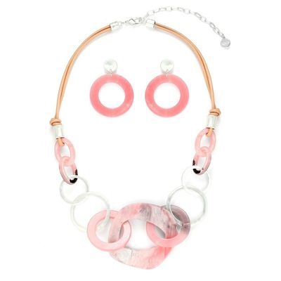Buy this amazing beautiful necklace comes with a pair of matching earrings from Yoko's Fashion. It comes with a gift box.
