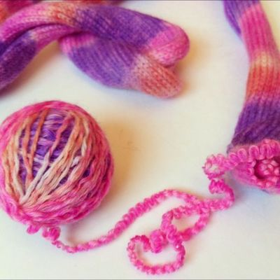 Dye your yarn with Sharpies!