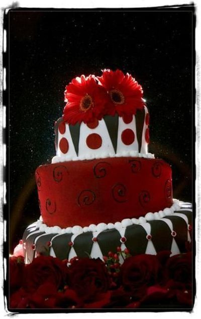 Since my wedding was all red, I have a thing for red wedding cakes...