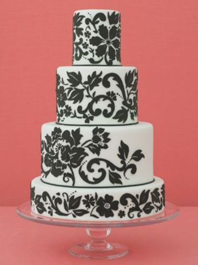 From modern designs to romantic flowers and hand-painted illustrations, these cakes are sure to inspire.