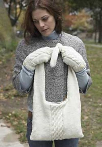 Ravelry: Hobo Bag with Cables ,free pattern by Patons / knits and kits - Juxt...