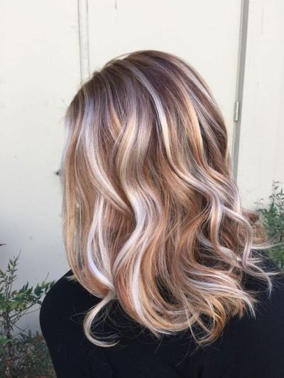Want to easily change your look in just a few minutes without spending a lot of money? You can simply do this through giving your hair a new color. There are se