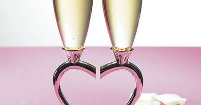 Gorgeous flutes I love the heart design.