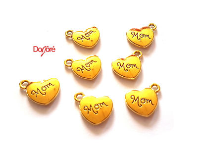 Pack of 20 Gold Coloured Mom Heart Charms. 15mm x 15mm Mum Pendants £7.99