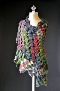 Bruges Noel Shawl By Universal Yarn - Free Crochet Pattern - (ravelry)