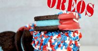 Yum! Decorate some delicious oreos with patriotic colors for a quick and colorful treat.