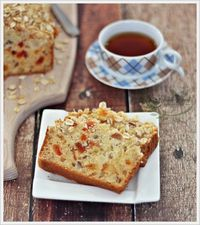 Oat and Pear Bread