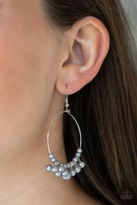 Paparazzi The PEARL-fectionist - Silver $5.00