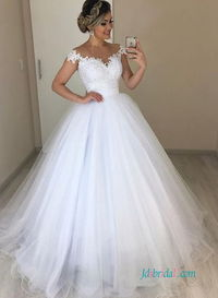 Romantic off the shoulder princess #ballgown #weddingdress