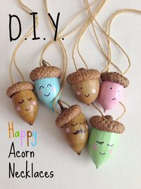Gorgeous acorn necklaces!