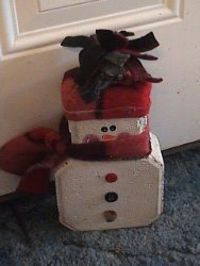 Get in the holiday spirit with this unexpected snowman Christmas crafts! This Doorstop Snowman is fun and easy to make - use your imagination and see fantastic