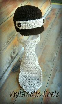 Free Newsboy Tie and Hat Set Crochet Pattern.