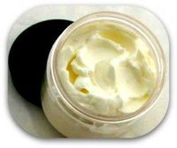 homemade tushie cream for cloth diapers. 100% from-the-ground ingredients!