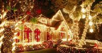 .love all these outdoor Christmas lights! #beautiful #christmas