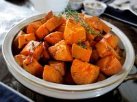Looking to make something different to accompany your turkey this Thanksgiving? Here are 20+ of the best Thanksgiving side dishes, that everyone in your family