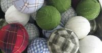 Thinking about creating some homemade holiday ornaments? DIY ornaments really can be simple and these DIY plaid ornaments are proof. I love the green factor, tu