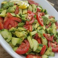 Summer Tomato Avocado Salad http://cleanfoodcrush.com/summer-tomato-avocado-salad/