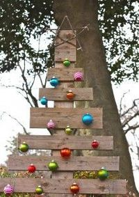 If you happen to have an old wood pallet lying around, don't just throw it away! Make this wood pallet Christmas tree. This recycled materials craft is a perfect way to decorate outside. All you need are a few basic materials. You will love this upcyc...