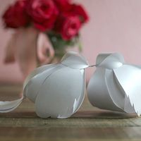 Watch my video tutorial and use the printable template to make these adorable paper love birds.