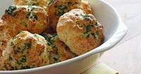 Garlic Cheddar Biscuits Skinnytaste.com Servings: 14 �€� Serving Size: 1 biscuit �€� Old Points: 2 pts �€� Points+: 3 pts Calories: 97.3 �€� Fat:...