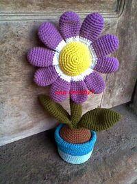 Amigurumi : Flower in the Pot - Tutorial � 4U // hf http://www.pinterest.com/hilariafina/