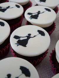 mary poppins cupcakes - cute