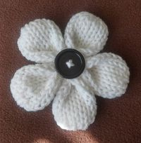 Five Petal Flower on GoodKnitKisses - Pattern by Dinise Johnson