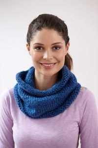 Everyday Cowl, 1 ball ( 230m) Lion Brand Heartland yarn on 6.5mm circular with two strands . 26 in round. 11.5 in width