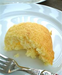 Diet 7-up cake This recipe is 3 ingredients and 1.5 weight watchers points a piece! 1 box lemon cake mix-mix with one 20 oz bottle of diet 7-up Bake at 350 for 30 min in 9x13 pan Cool and top with one tub of light cool whip The entire cake is 19 weight wa...