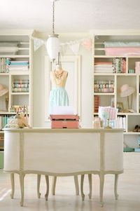 Love the lamp and the neat shelves ~ but I know I could never be this tidy ~ The French Tangerine