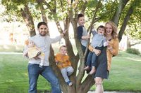 Fun Family poses, family of 6, photo by: Angela Christine Photography