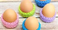 If you're tired of the typical dye project when it comes to Easter eggs then you might like this Easter Egg Cozy. It's a great way to showcase your eggs and eve