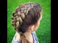 5 STRAND DUTCH BRAID HAIR TUTORIAL / - Wow does this on herself!