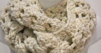 $42.00 Chunky beige scarf for men or women.