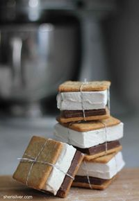DIY s'more favors - guests can eat as is or pop them in the oven at home