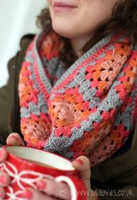 Crochet Granny Square Snood/Scarf