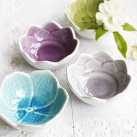 feminine bowls in the design of an open flower, with a wonderfully subtle and muted variation of colours