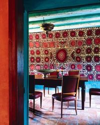moroccan lanterns, dining rooms and tapestries.