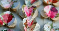 Paper heart chains-so sweet! My girls would love this! My boys, well, they just want the treats. :-)