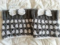 Striped Boot Cuffs with Bows. Free crochet pattern.
