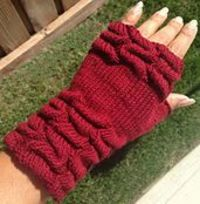 Ravelry: Knit Tuck Fingerless Mitts pattern by Irene Bautista free pattern