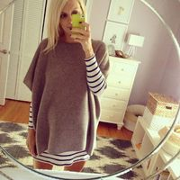 cute layering on a baby bump