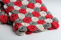 Roses Baby Blanket I would use different colors, but I like it.