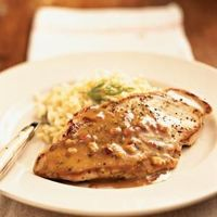 Simplify dinner with these quick and easy chicken recipes that will get you in and out of the kitchen in no time.