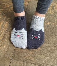 Ready for the Tao of Wool? Knit Yourself a Pair of YinYang Kitty Ankle Socks! #knitting #nationalsockday