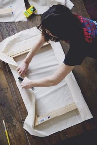 Get inspired by your own two hands with this quick, economical and useful project�€� The first time I stretched my own canvas, I swear, I heard angels singing. Wh