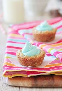 Chocolate Chip Oatmeal Cookie Cups