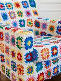 awesome. Wish I had the patience to do this. | See more about crochet granny squares, diy gifts and armchairs.